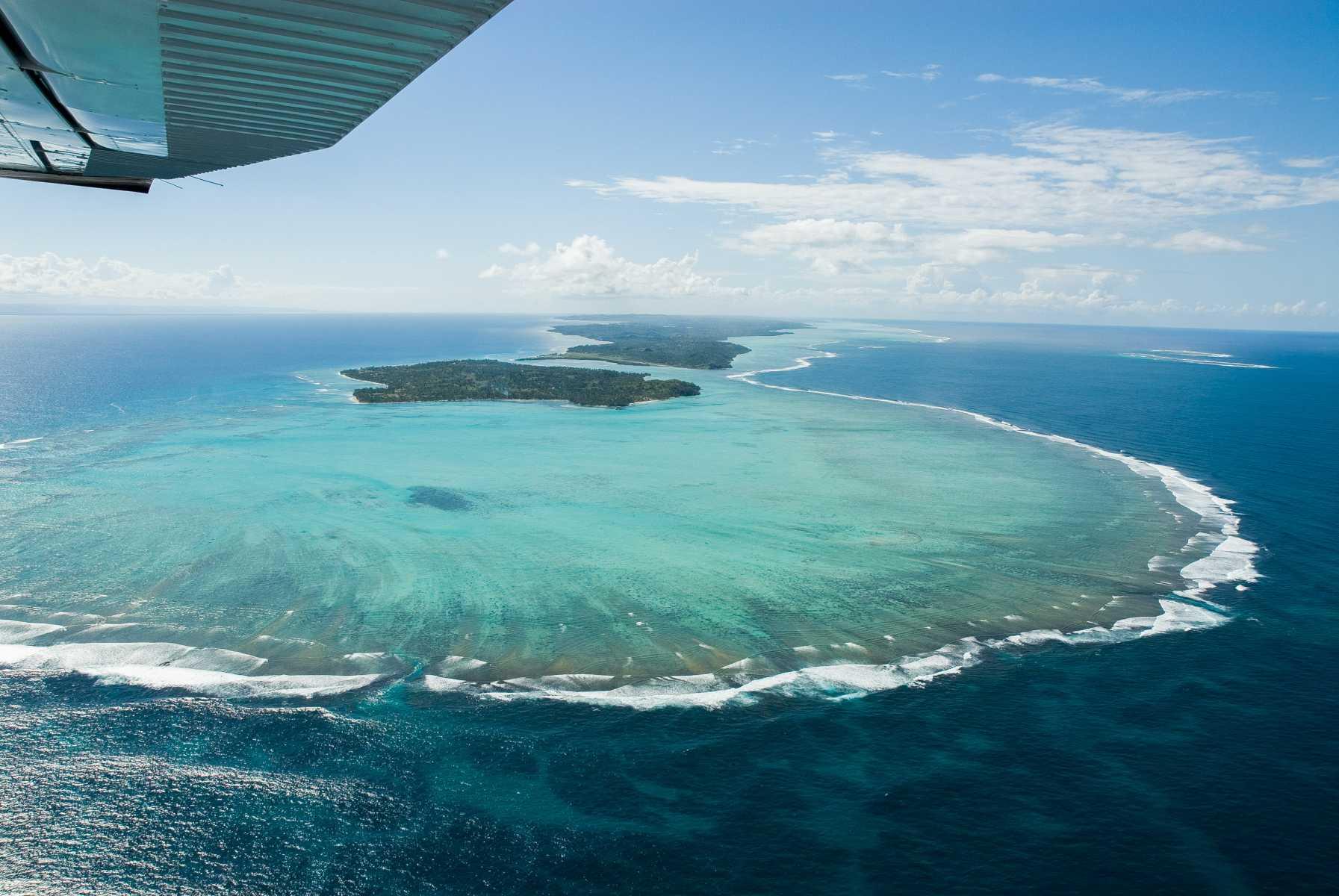 Afrique - Madagascar- Survol au-dessus du lagon de Sainte-Marie