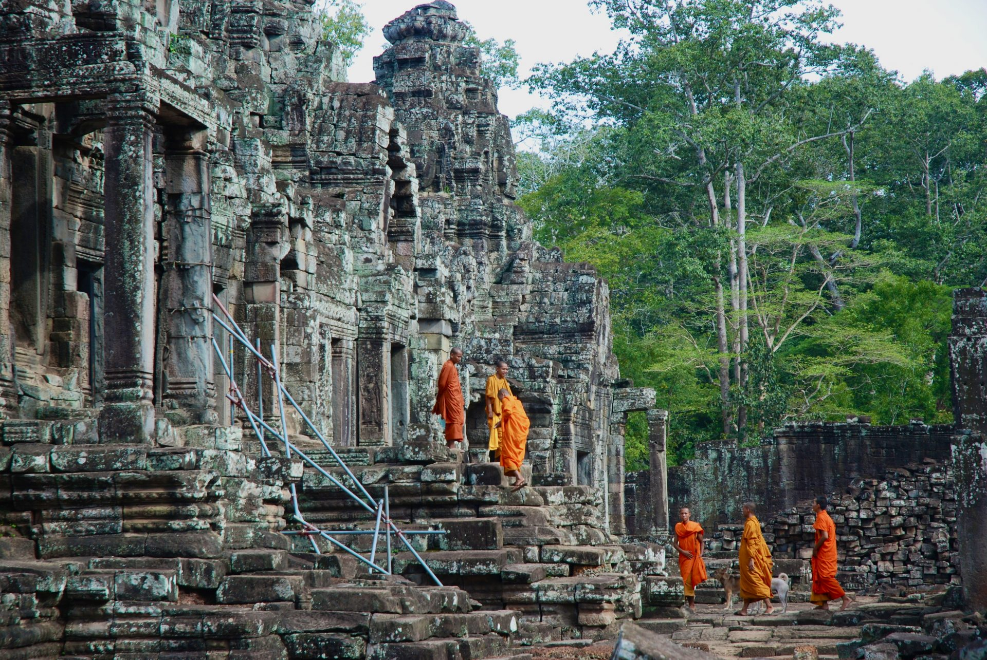 Cambodge - Angkor - Moines Bouddhistes Temple