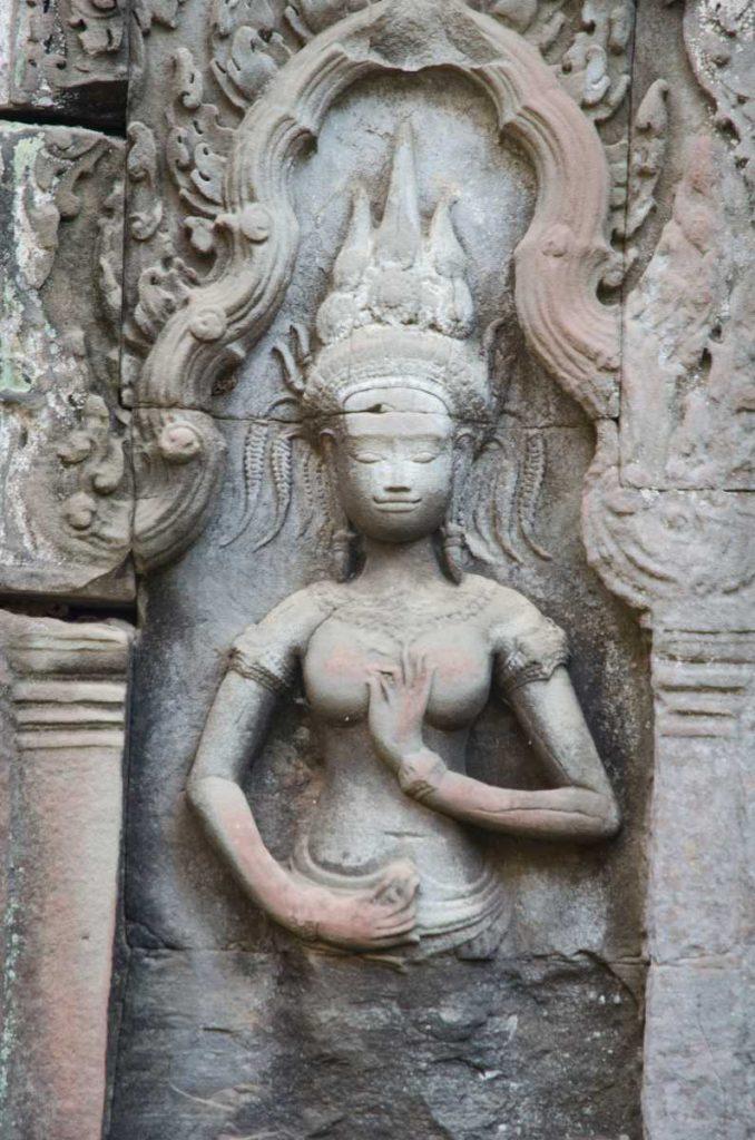 Cambodge - Angkor - Apsara au temple de Ta Prohm