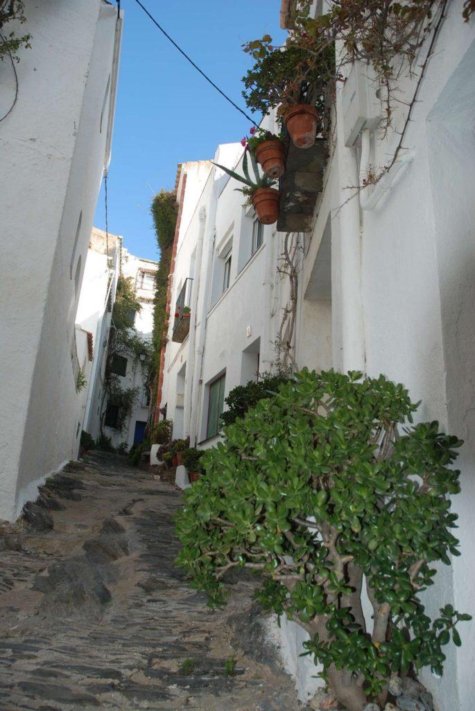 Espagne - Costa Brava - Ruelle de Cadaquès.