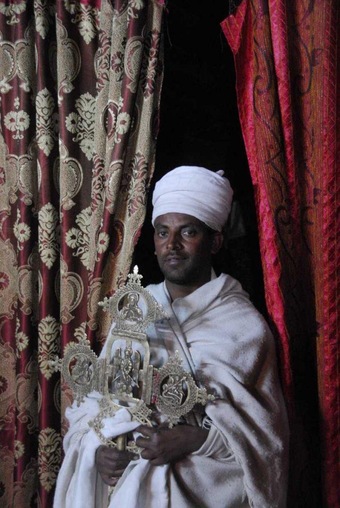 Ethiopie - Lalibela - Présentation de la croix.