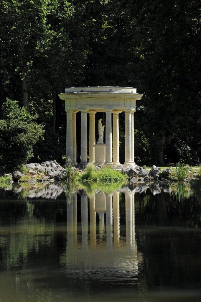 France - Château de Chantilly - Copie du temple de Vesta à Rome, le temple de Vénus a été restaurée en 2002