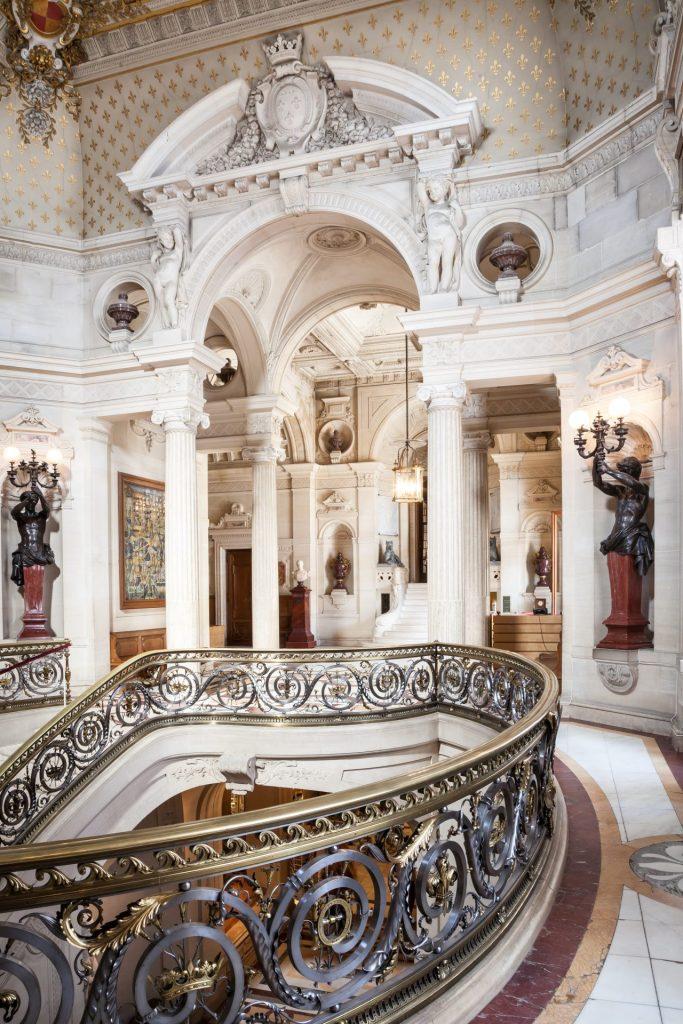 France - Château de Chantilly - Le vestibule d'honneur
