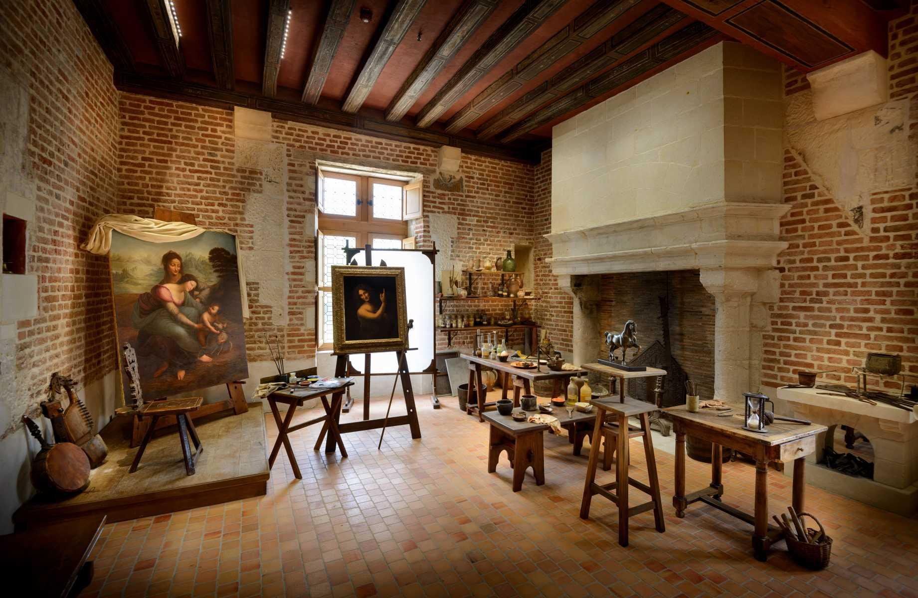 France - Clos-Lucé - L'atelier reconstitué de Léonard de Vinci.