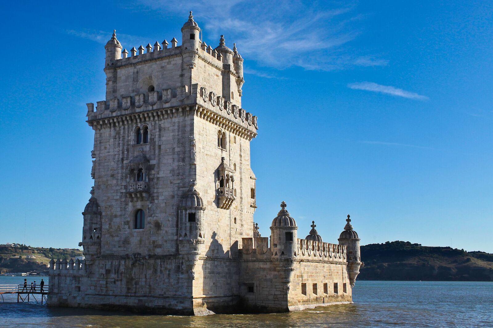 Lisbonne - Porte d'entrée de la ville, la tour de Belém protégeait l'embouchure du Tage et le monastère des Hiéronymites