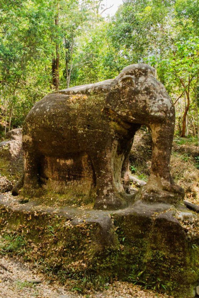 Cambodge - Angkor - Site de Srah Dumrei (IXe siècle)