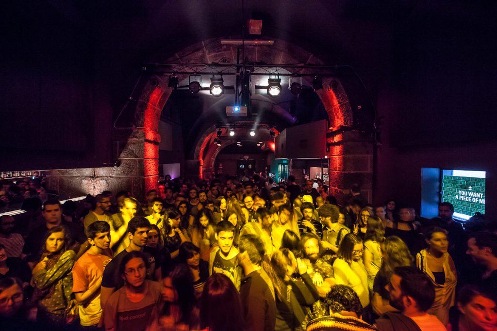 Portugal - Lisbonne - Dance-floor au Lux Fragil.