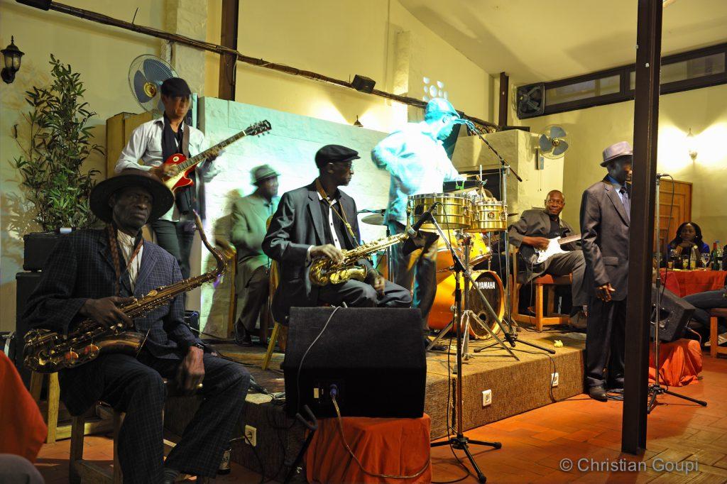 Sénégal - Dakar - Concert live et grillades chez Bazoff