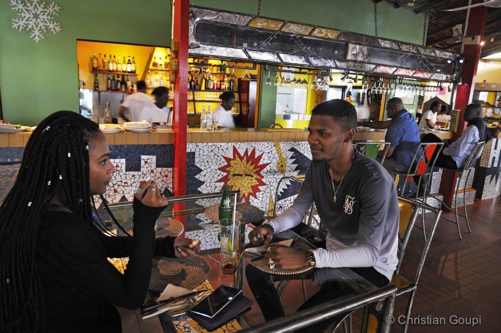Sénégal - Dakar - Snack en terrasse au Bideew