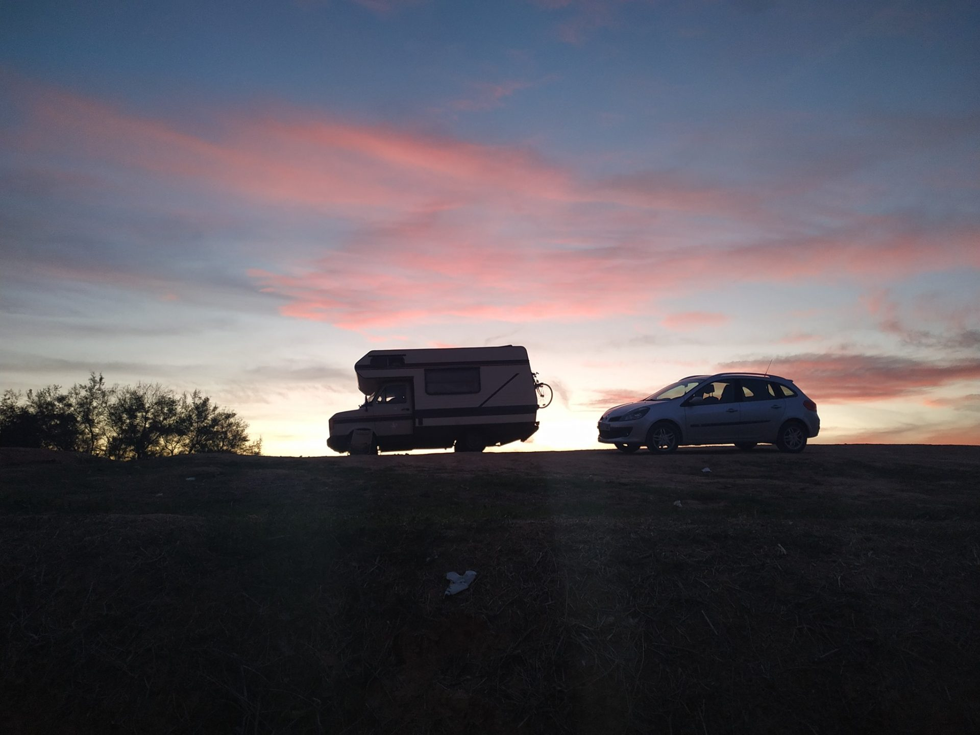 Parce qu'on revenait fripés, ravis et pieds nus des sources chaudes de Santa Fe, en Andalousie. Un lieu pas indiqué sur les cartes et perdu entre des tapis d'oliviers. Photo Jeanne Fichou