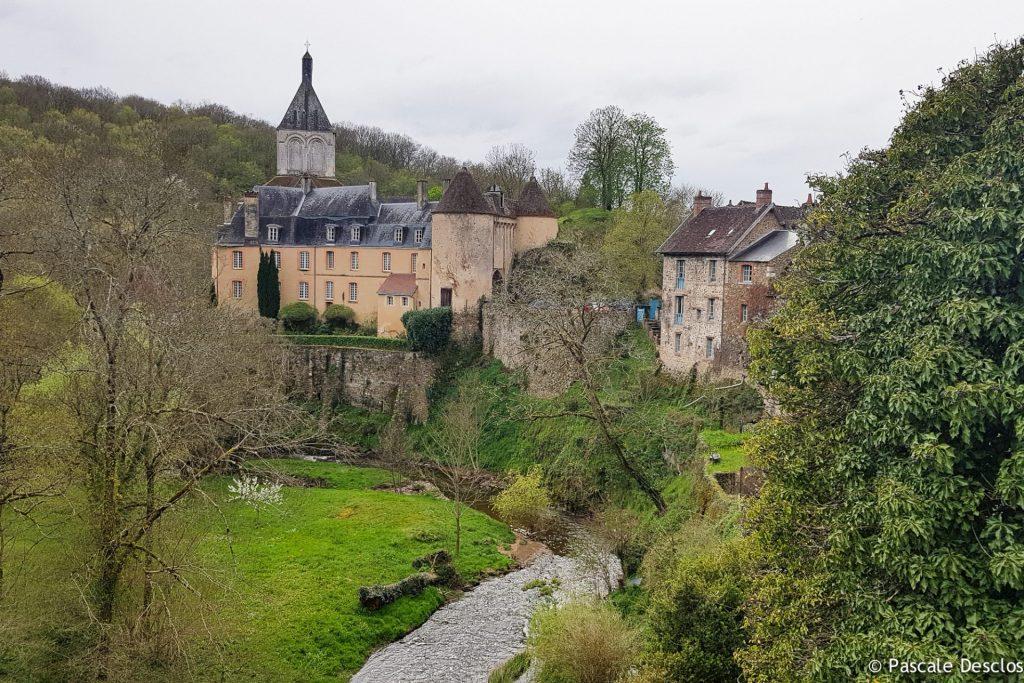 Château et village de Gargilesse, Vallée de la Creuse, Berry
