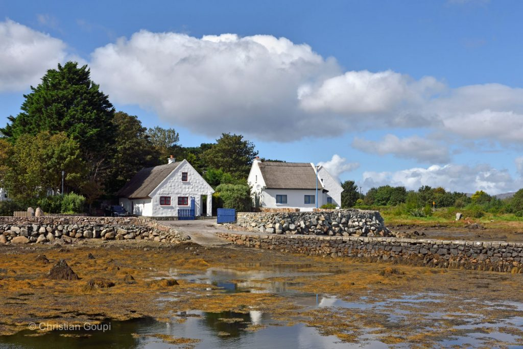 irlande-connemara-compte-galway-ile-annaghvaan-cottages-photo-christian-goupi
