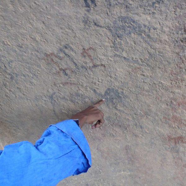 Algérie - Atakor - Ici le problème majeur de l'art ruspestre est sa protection.