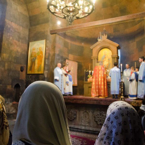 Messe orthodoxe au monastère de Khor Virap