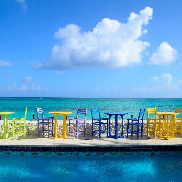 Bahamas - Un drink au bord du bleu au Compass Point Beach Resort