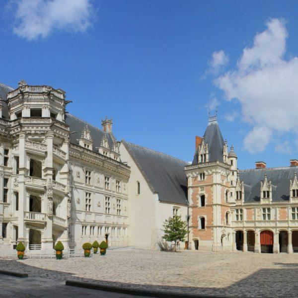 Les façades Francois 1er et Louis XII.