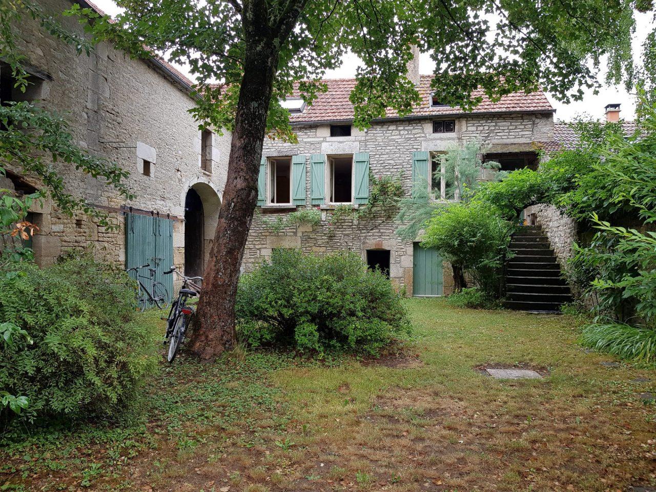 bourgogne-yonne-cry-sur-armancon-maison-de-coeur-jardin-grange-velos-samsung