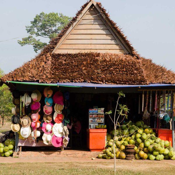 Cambodge - Angkor - Epicerie sur la route de Banteay Srei