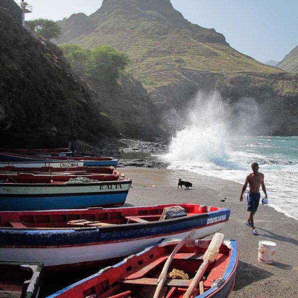 Cap-Vert - Retour de pêche à Cruzinhas