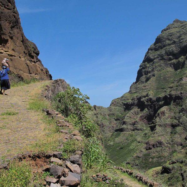 Cap-Vert - Le sentier qui mène au village de Fontainhas