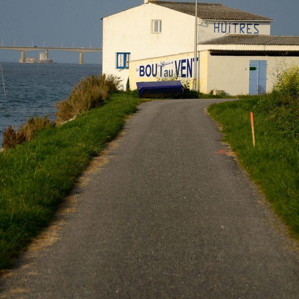Vue sur le pont entre l'île et et le continent