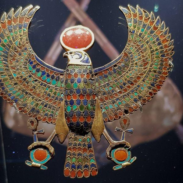 Pectoral en or en forme de vautour