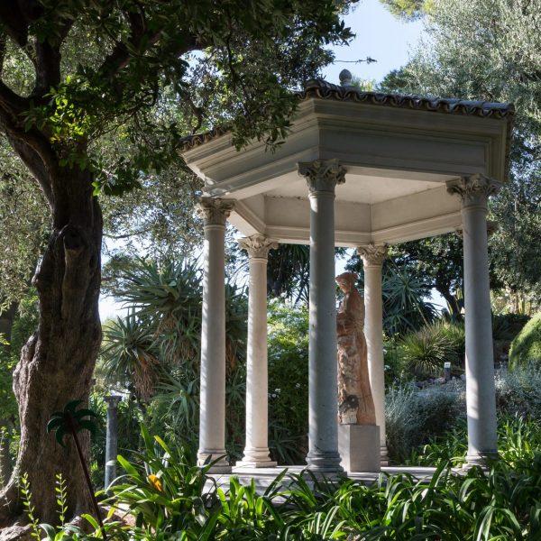 Le temple de l'Amour, situé face à la villa.