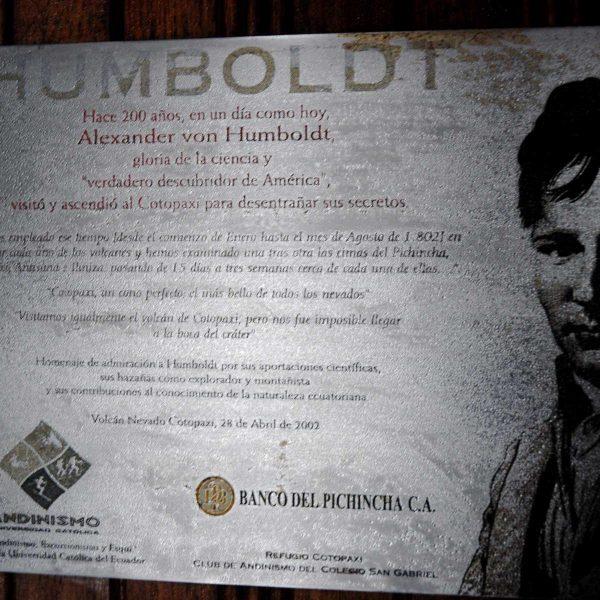Equateur - Cotopaxi - Au refuge , la plaque commémorant l'ascension de Humboldt