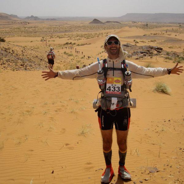 Eric Balian - Directeur Général de Terre d'aventure - Départ du Marathon des Sables, au Maroc, en 2010 - 2