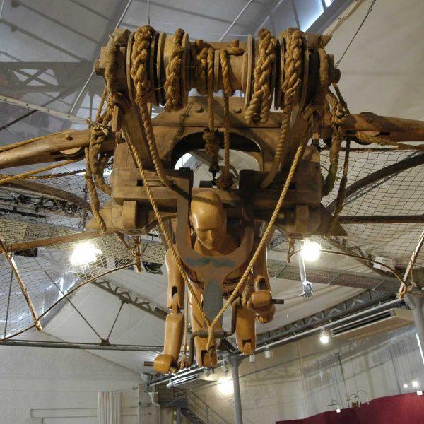 France - Clos-Lucé - Machine volante imaginée par Vinci