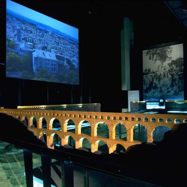 France - Pont du Gard - Musée Ronde