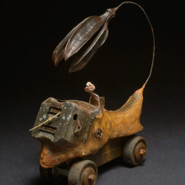 Gérard Cambon - Sculpture - Locomobile, graines & métal