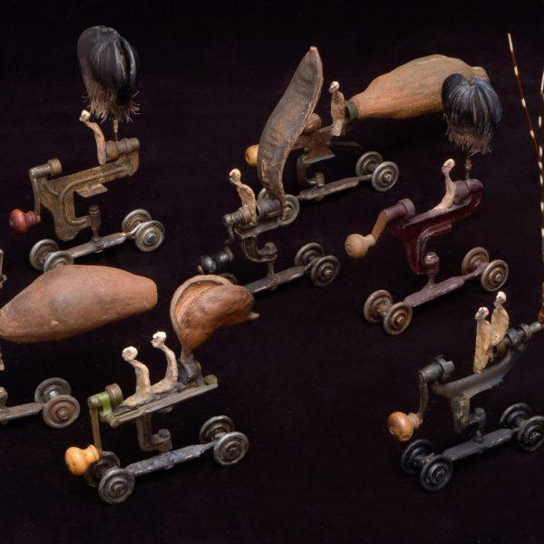 Gérard Cambon - Sculpture - Série de locomobiles
