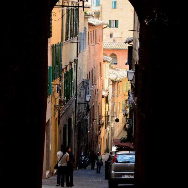 Italie - Les maisons colorées de Sienne en Toscane