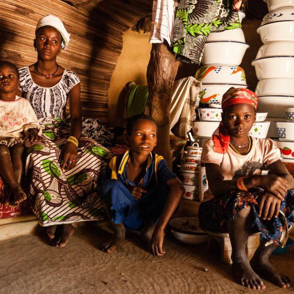 Portrait de famille avec casseroles
