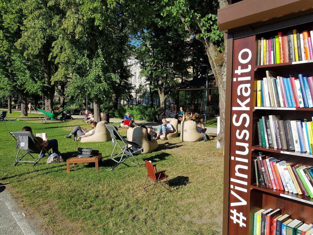lituanie-vilnius-parc-lukiskes-bibliotheque-plein-air-gratuite