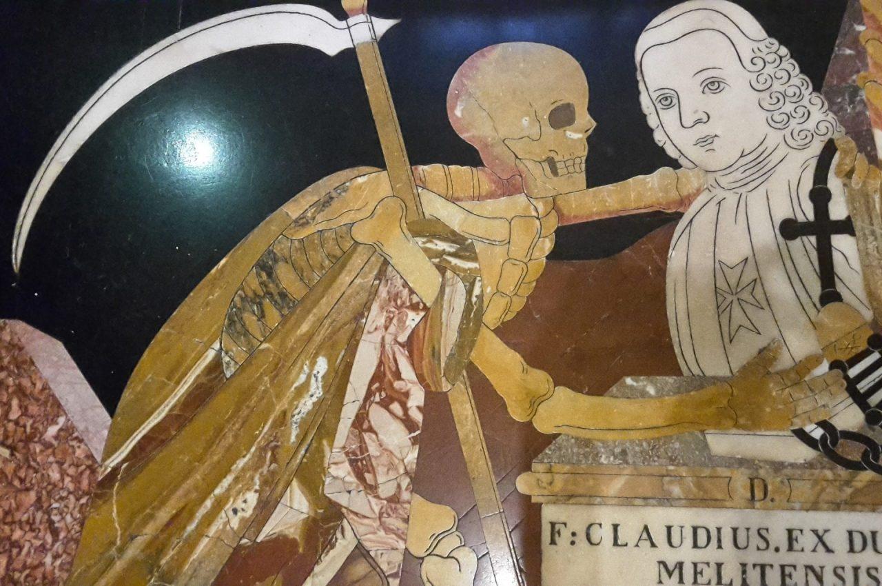 malte-la-valette-co-cathedrale-saint-john-pierre-tombale-marbre-mort-chevalier