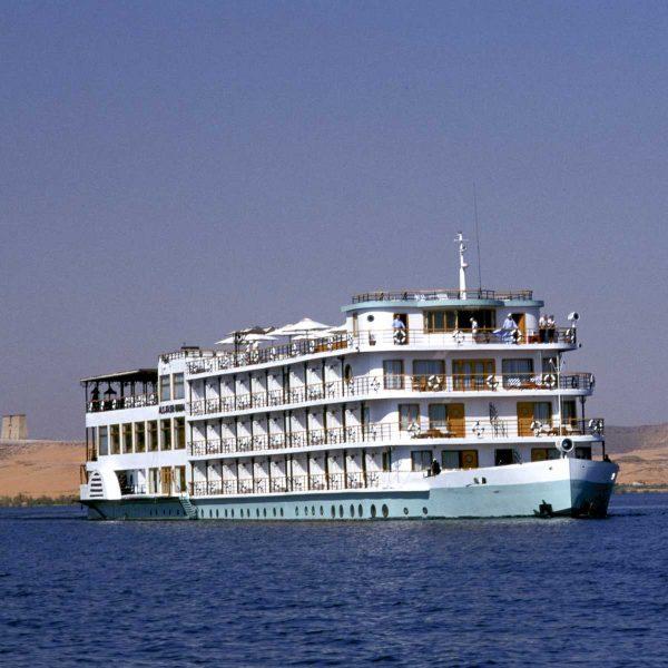 Nubie - Le Kasr Ibrim, un des rares navires à croiser sur le lac Nasser