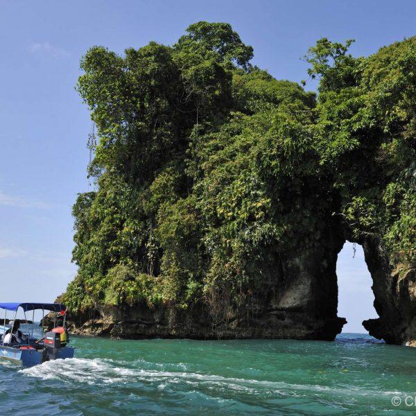 Panama - Un îlot sauvage de l'archipel de Bocas del Toro.