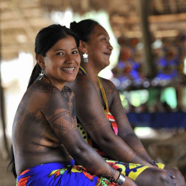 Panama - Indiennes Emberra, tatouées à l'encre de jagua.