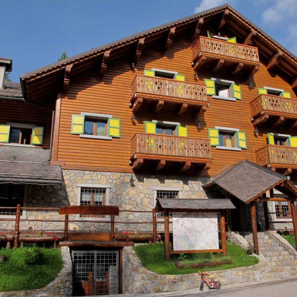 Le chalet-hôtel Le Chamois d'Or, à Castérino