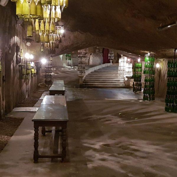 Les Caves painctes ont conservé lerur décors des années 70.