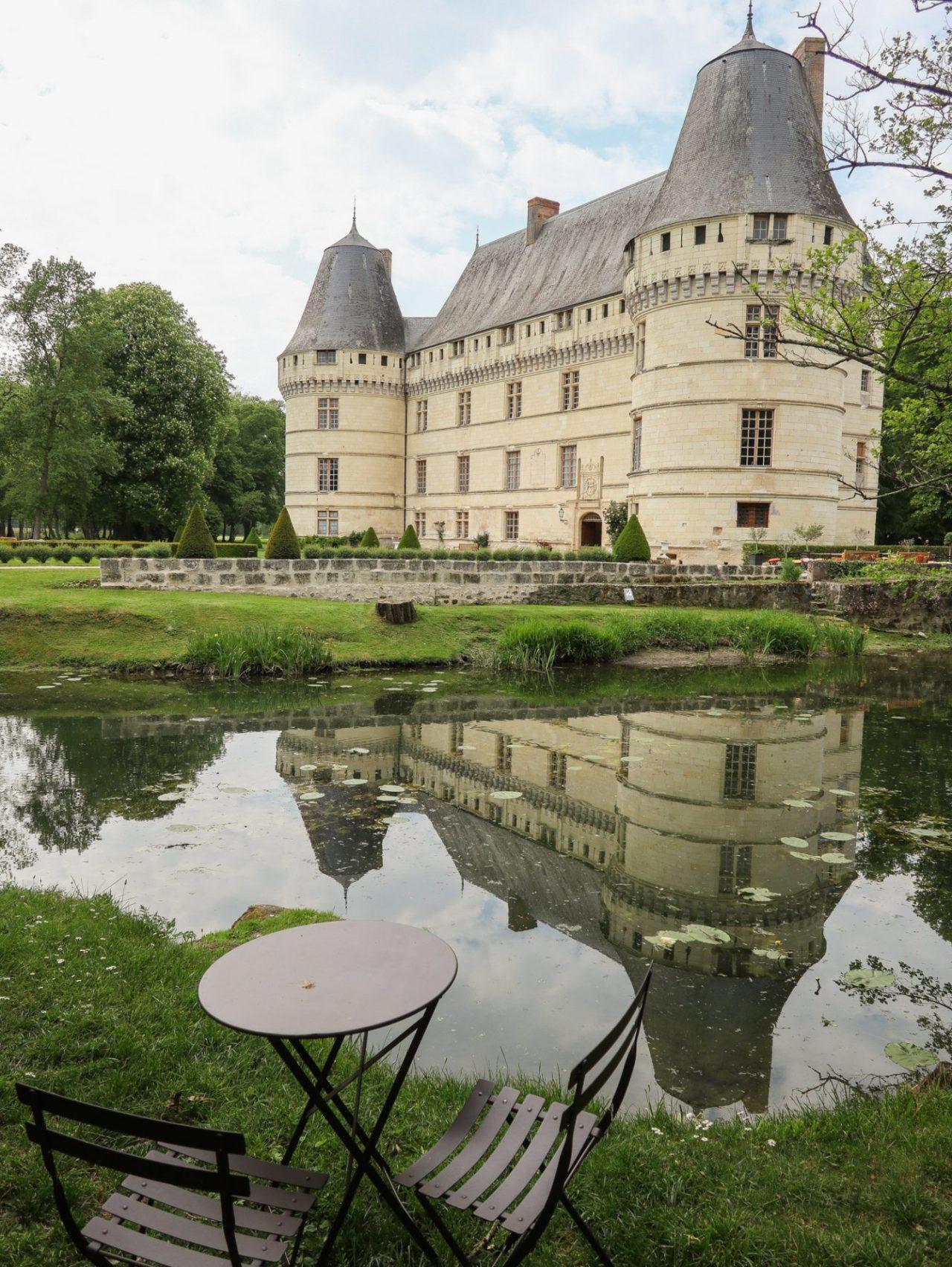 val-de-loire-azay-le-rideau-chateau-de-l-islette-riviere-indre-table