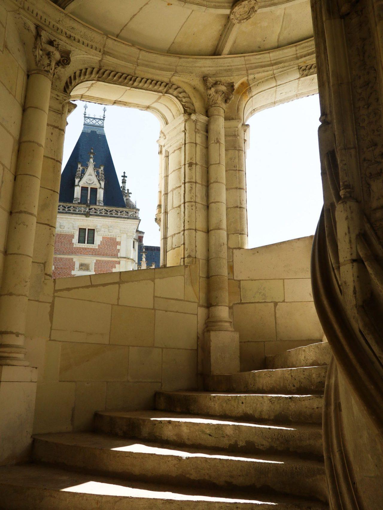 val-de-loire-chateau-de-blois-escalier-renaissance